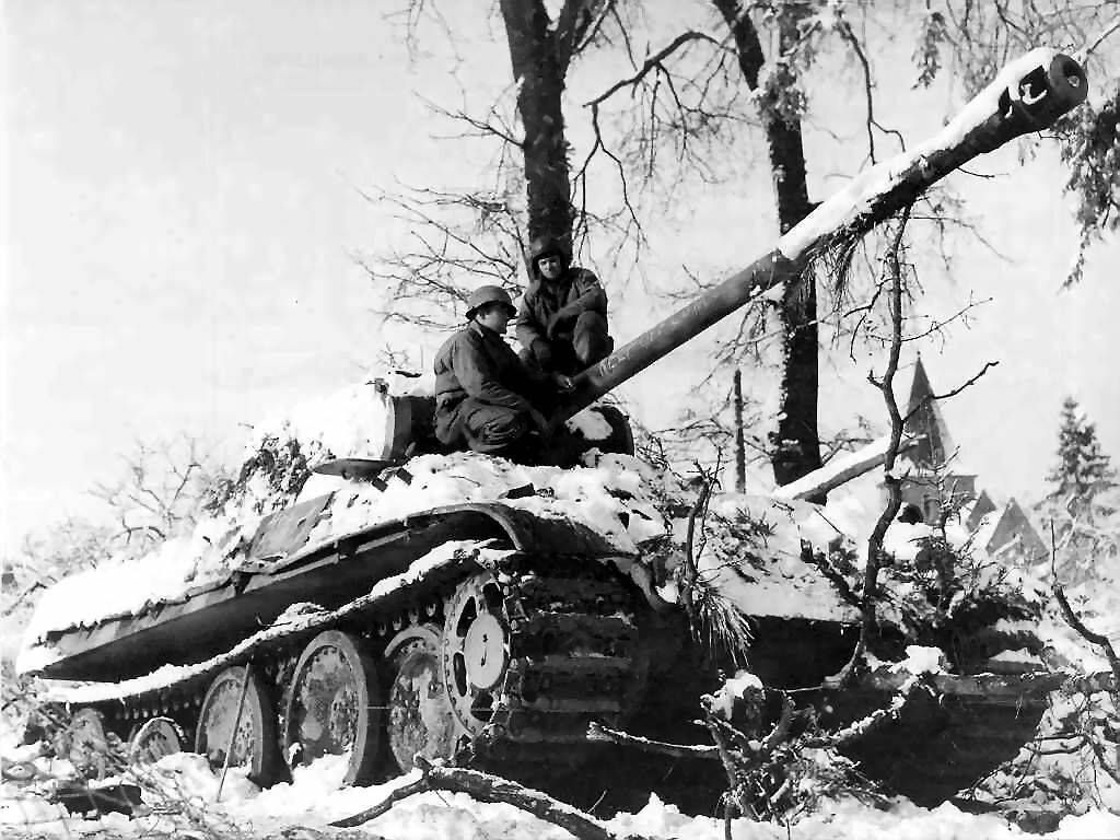 a history of the battle of the bulge in the world war two The battle of the bulge began on december 16, 1944 during world war ii and a was a desperate attempt by the germans to defeat the allies in the west,.