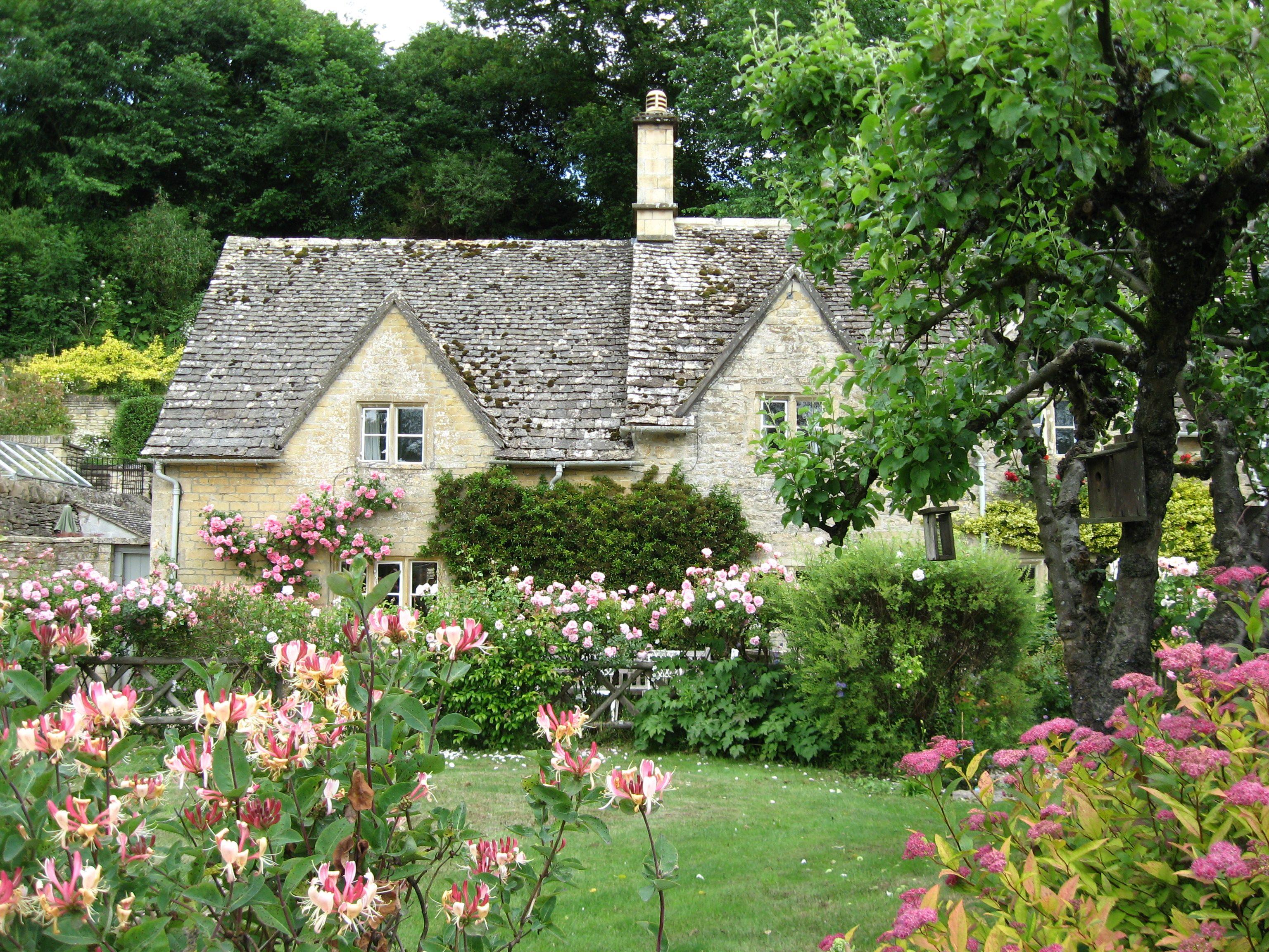 english cottage english cottage style pinterest. Black Bedroom Furniture Sets. Home Design Ideas