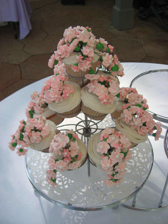 bridal shower cupcakes cakes cookies pinterest. Black Bedroom Furniture Sets. Home Design Ideas