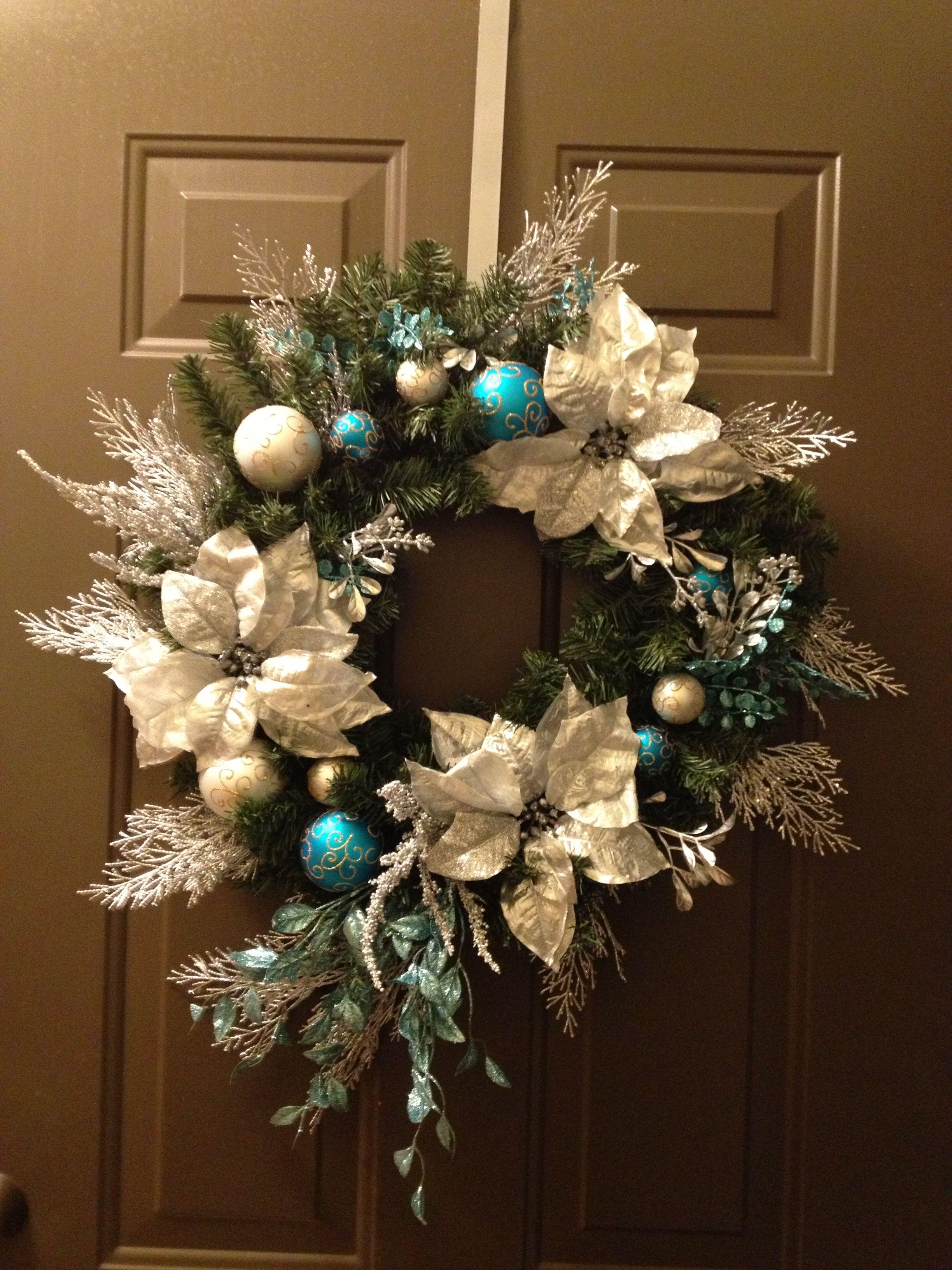 Christmas front door wreath christmas pinterest for Front door xmas wreaths