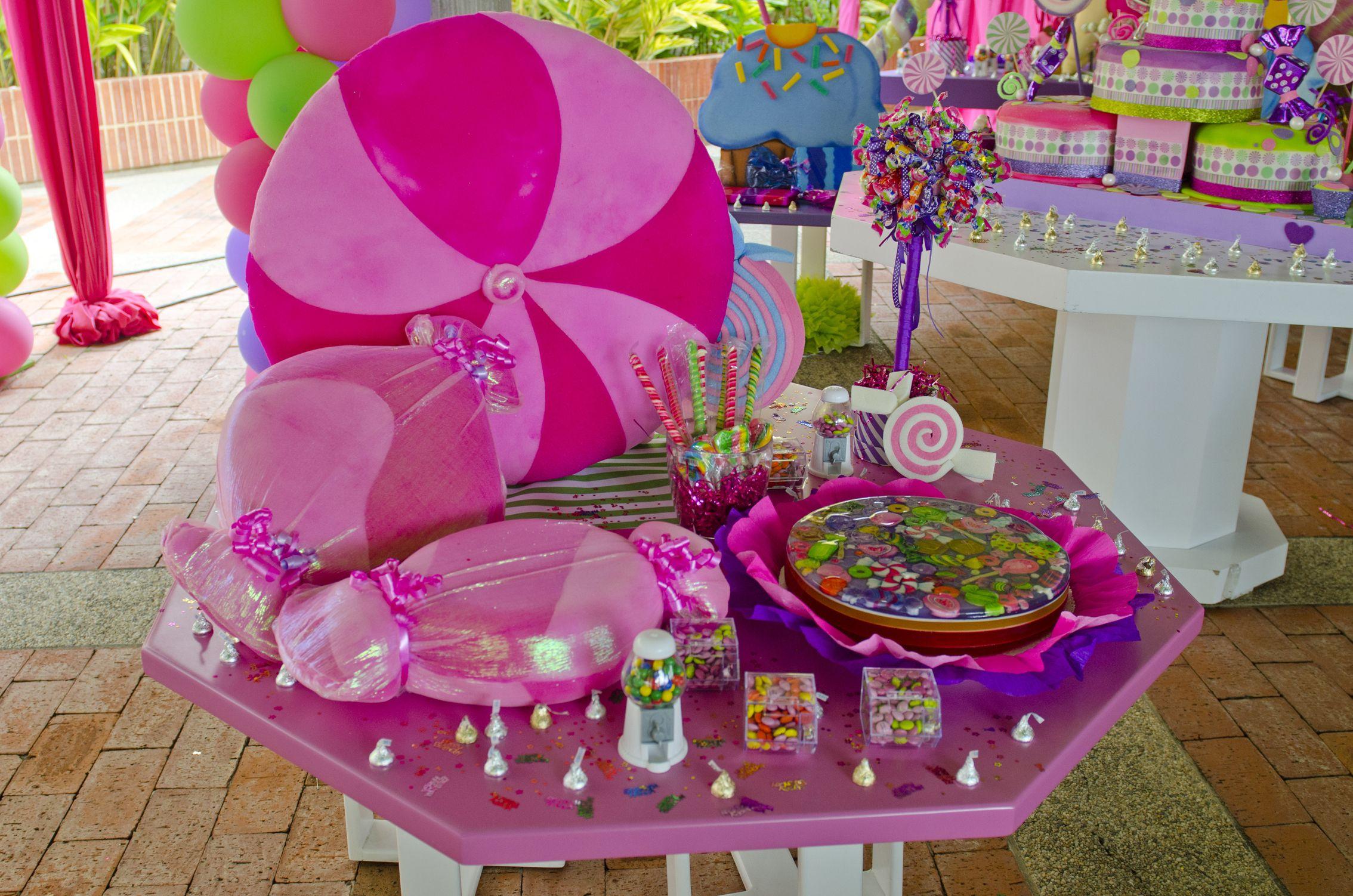Mesa de dulces mundo del caramelo decoraci n fiestas for Decoracion mesas dulces