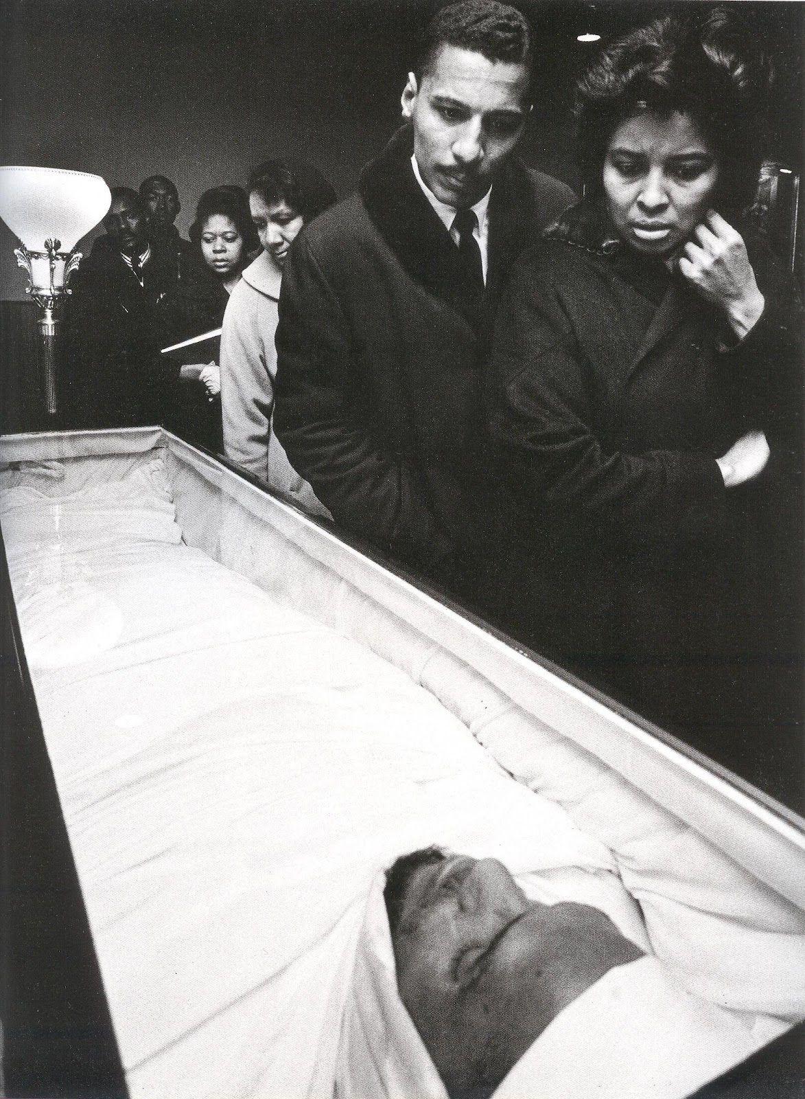 Celebrity funerals with open caskets of celebrities
