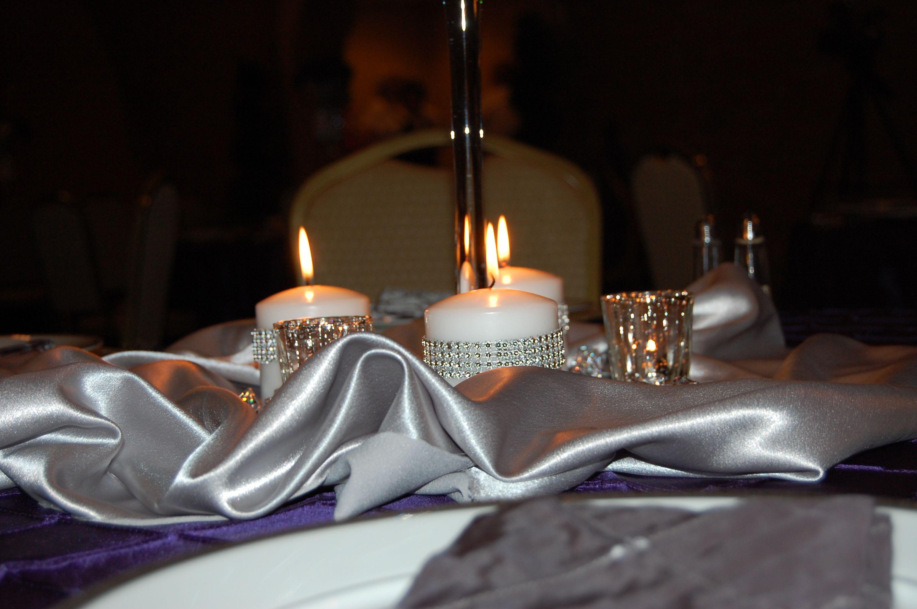 Rehearsal dinner table decorations wedding pinterest for Wedding dinner table decoration