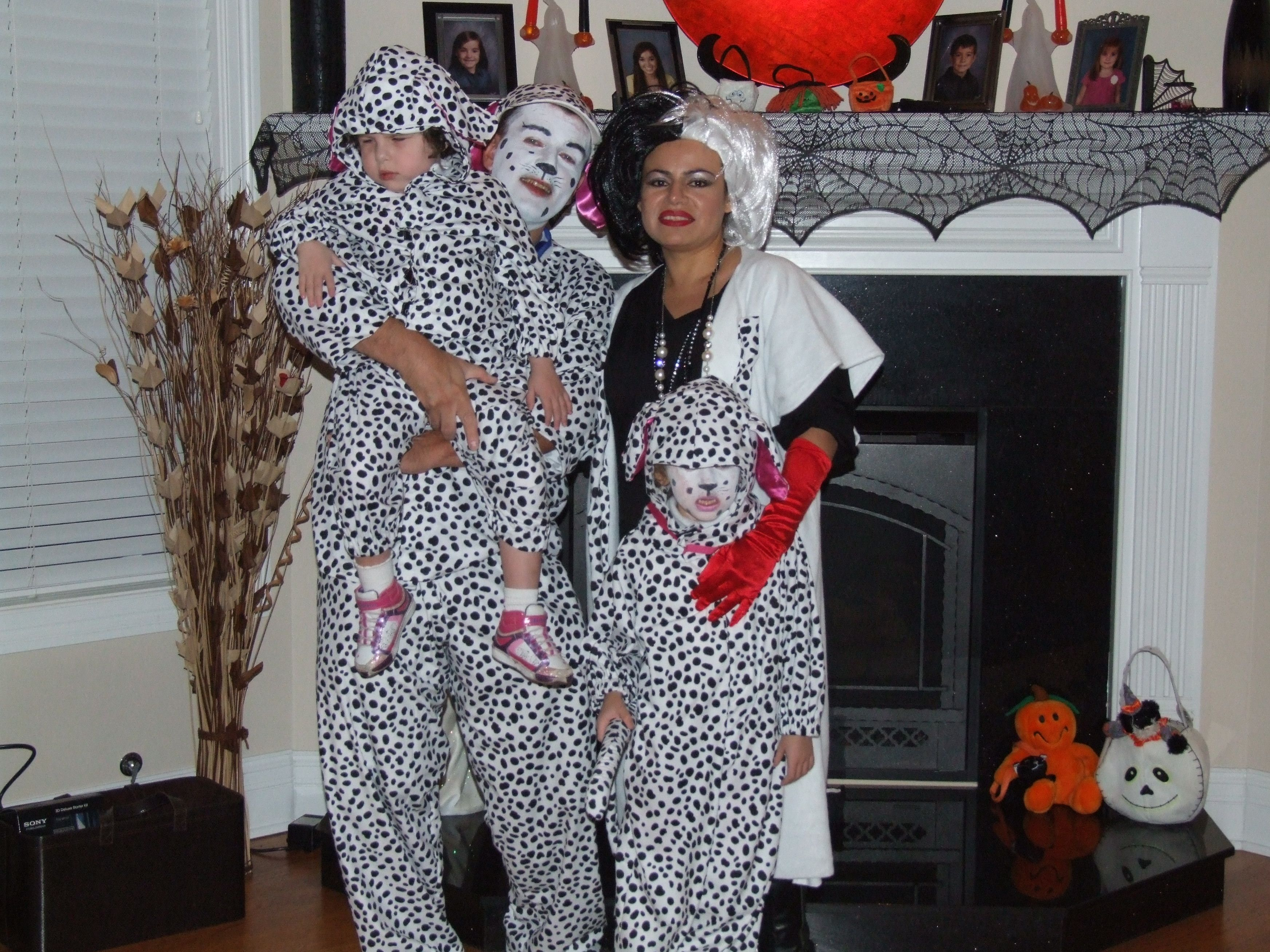 Homemade Costumes 101 Dalmatians Homemade Costumes