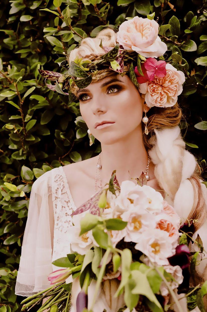 flower in her hair - photo #47