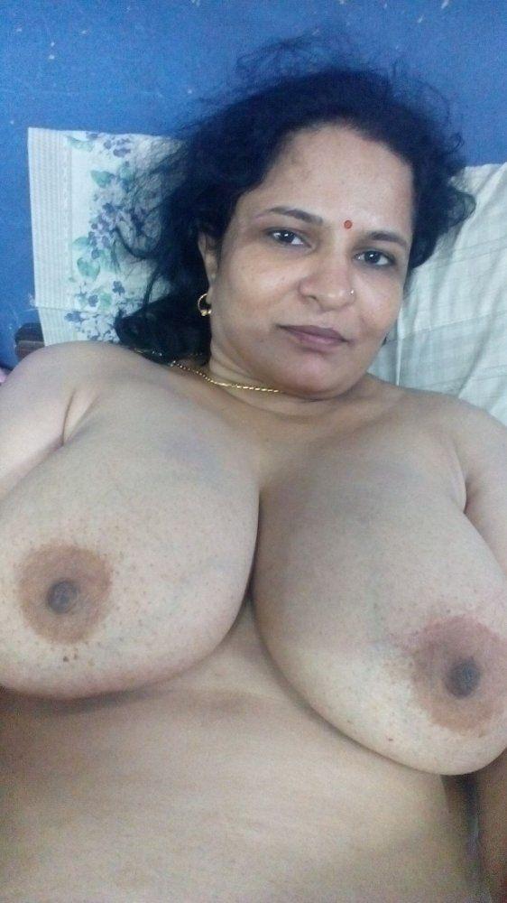Mallu aunty big boobs