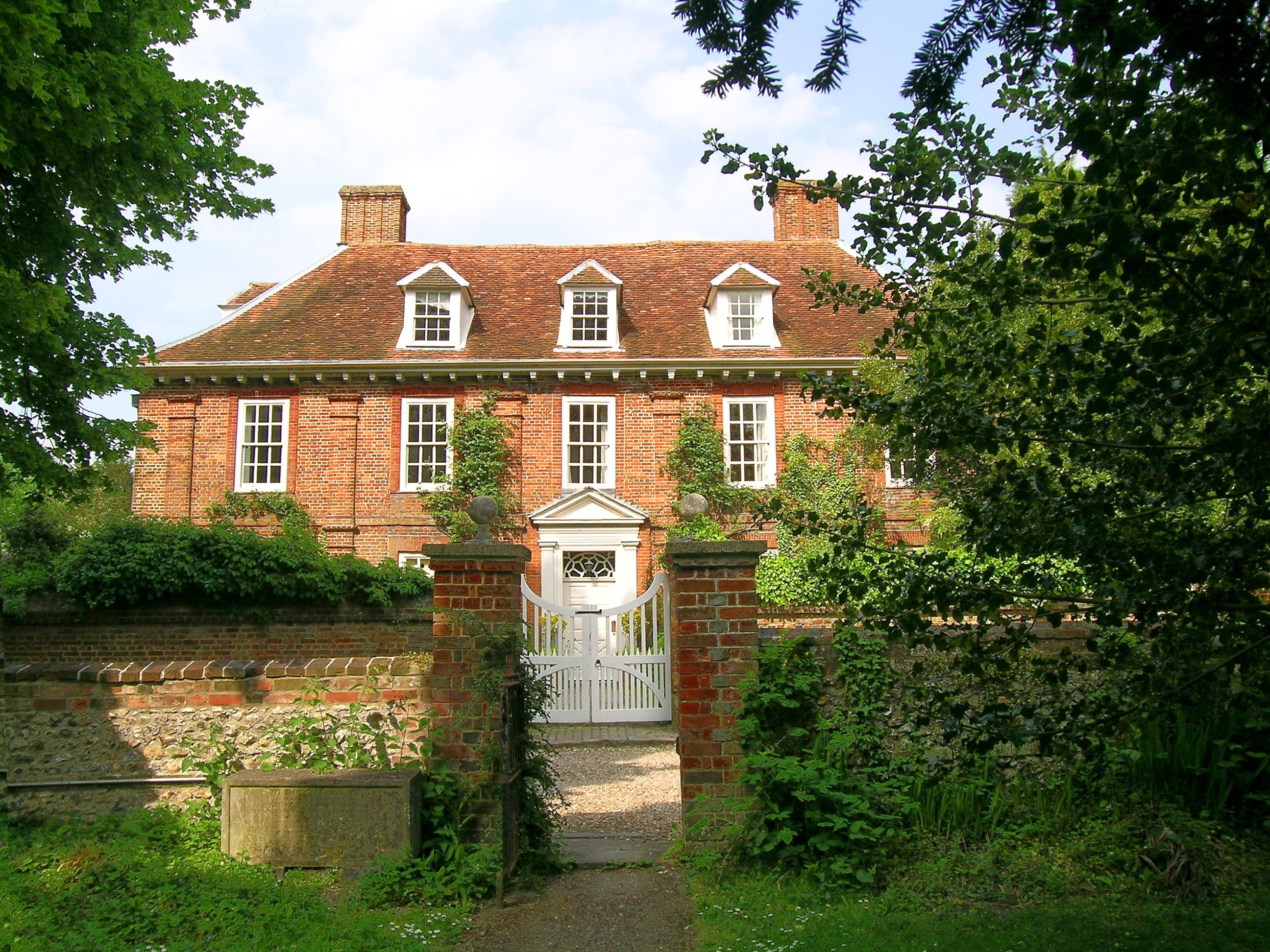 English house old fashion homes pinterest for Classic english house