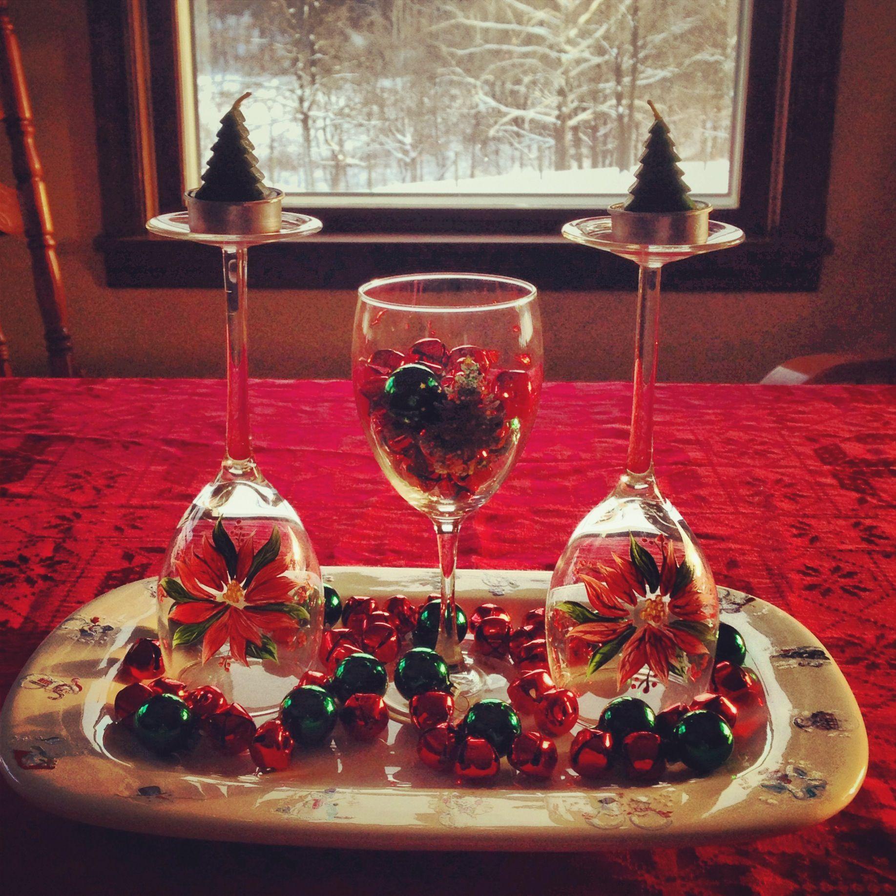 Wine glass christmas centerpiece christmas centerpieces for Centerpieces made with wine glasses