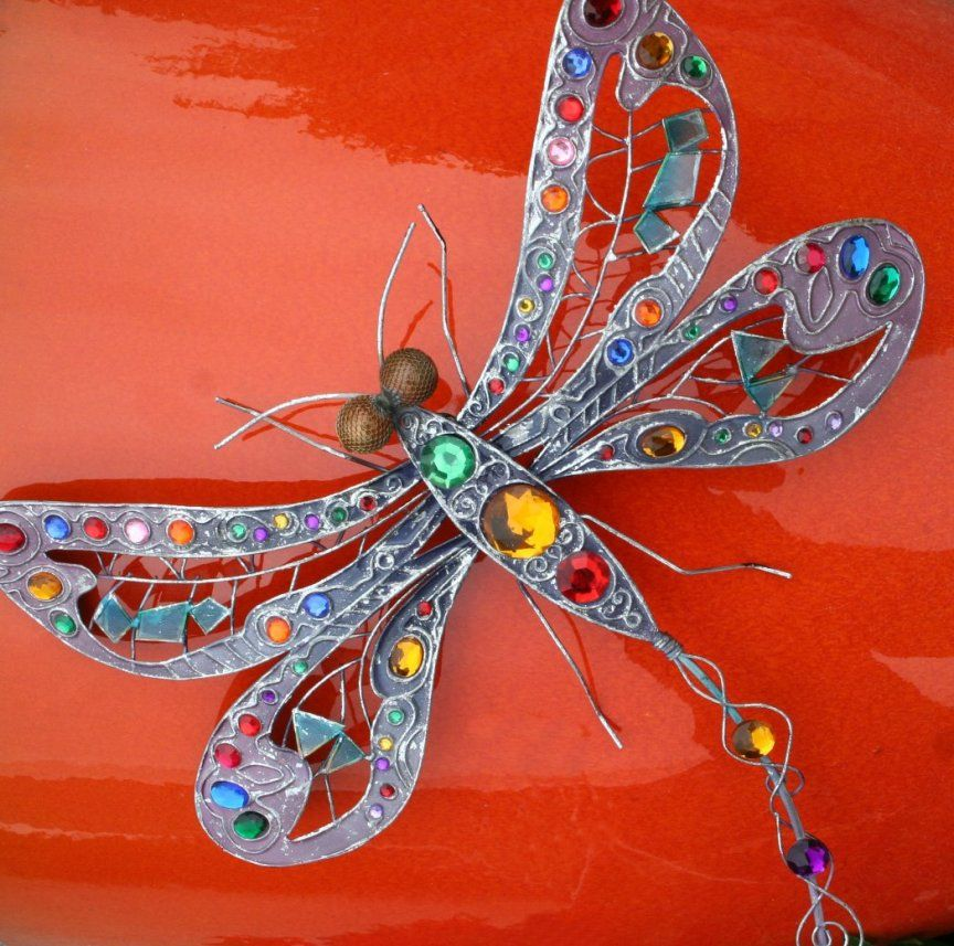 Metal dragonfly wall art on a garden pot home decor for Dragonfly mural