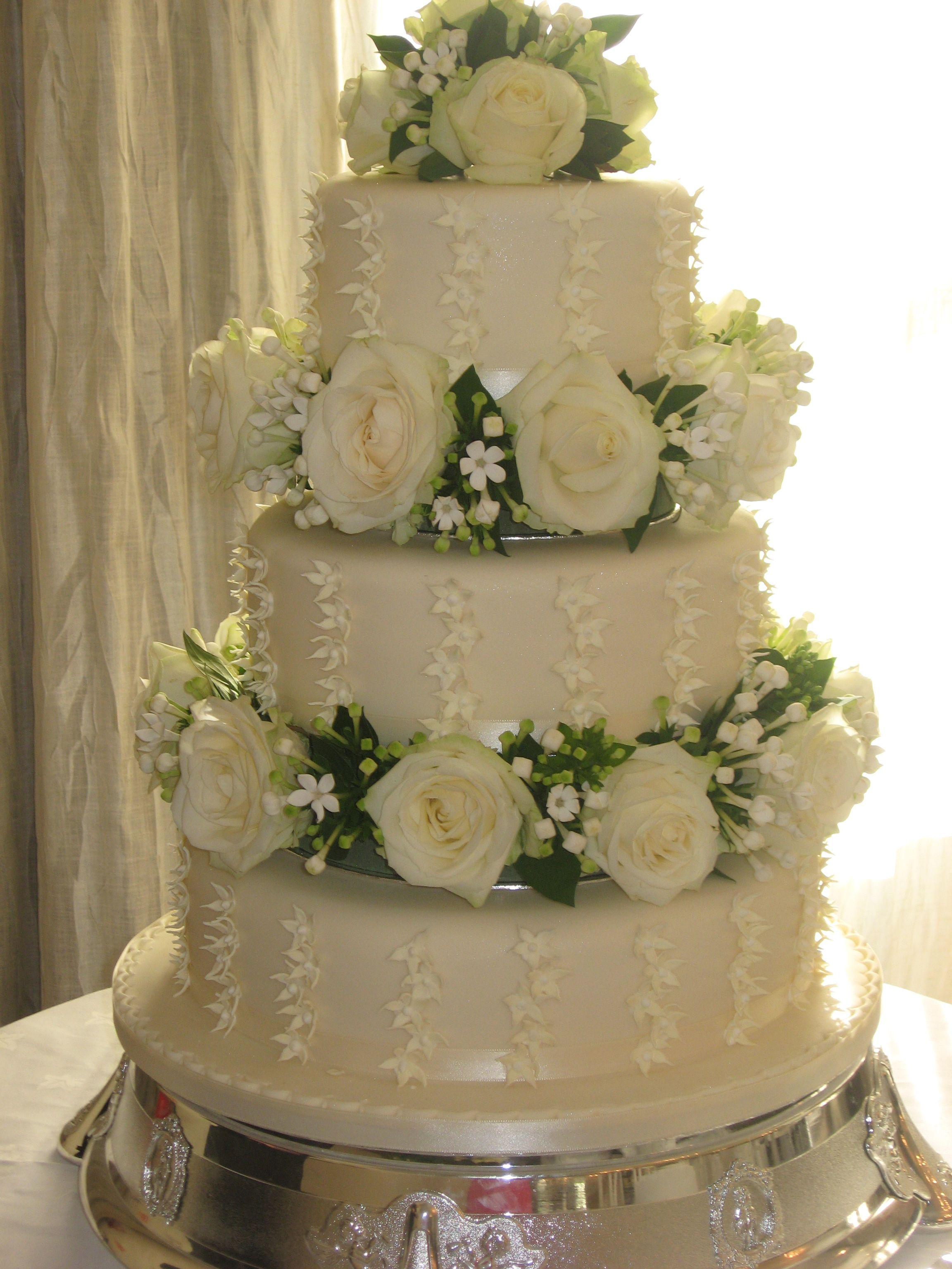 Real Flowers Between Each Tier Wedding Cakes Pinterest