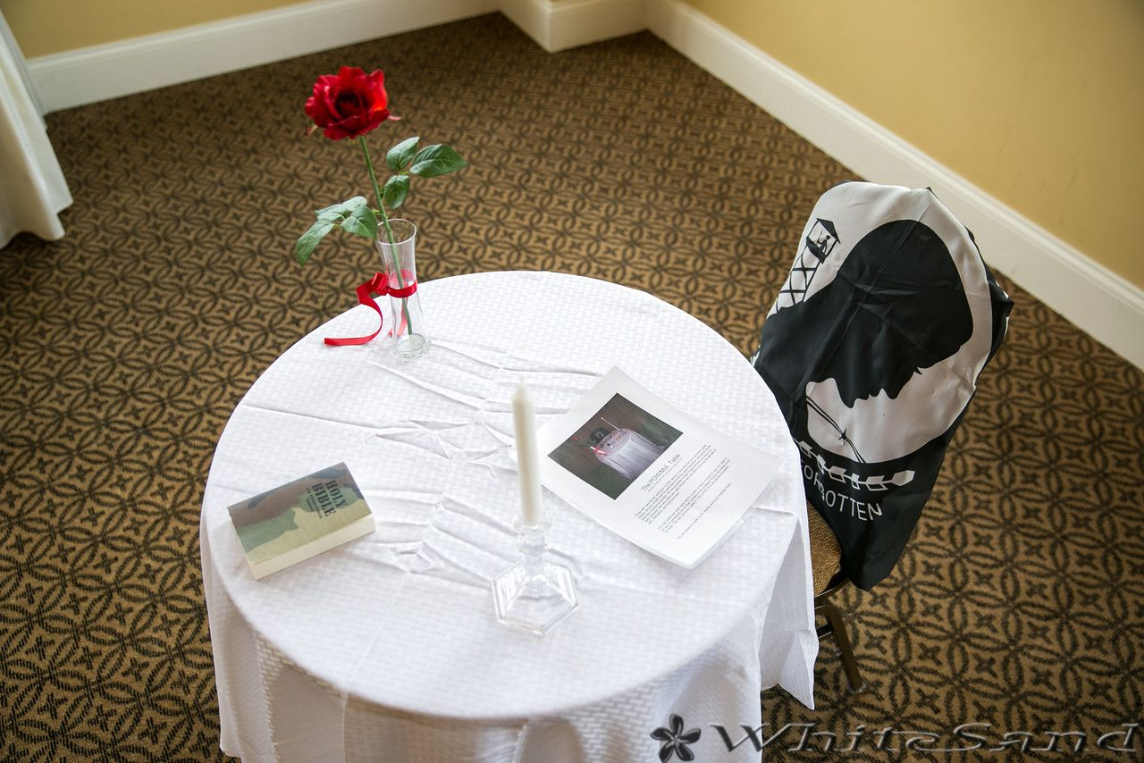 Pow mia table wedding