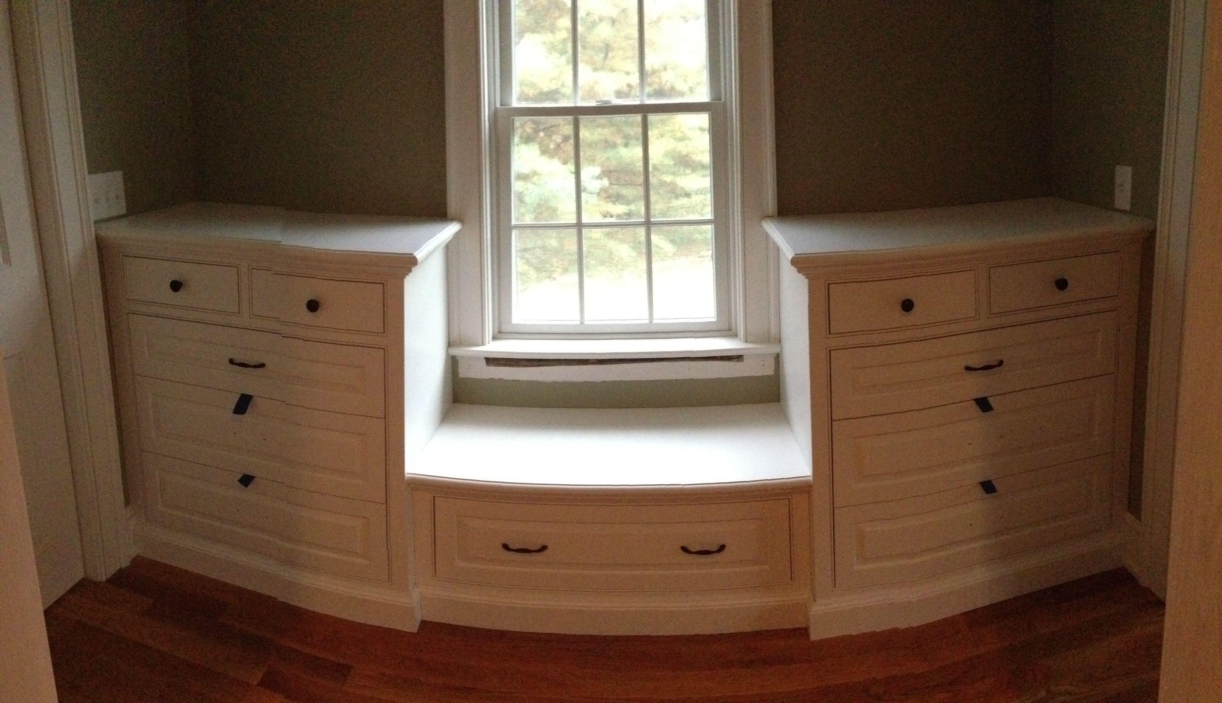 Best Built In Dresser In Master Closet Built In Dresser 400 x 300