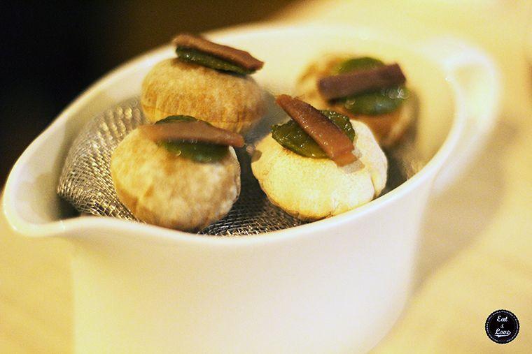 aireados de tortilla con pimiento verde y anchoa - Al Trapo - restaurante alta cocina creativa Madrid hotel Letras