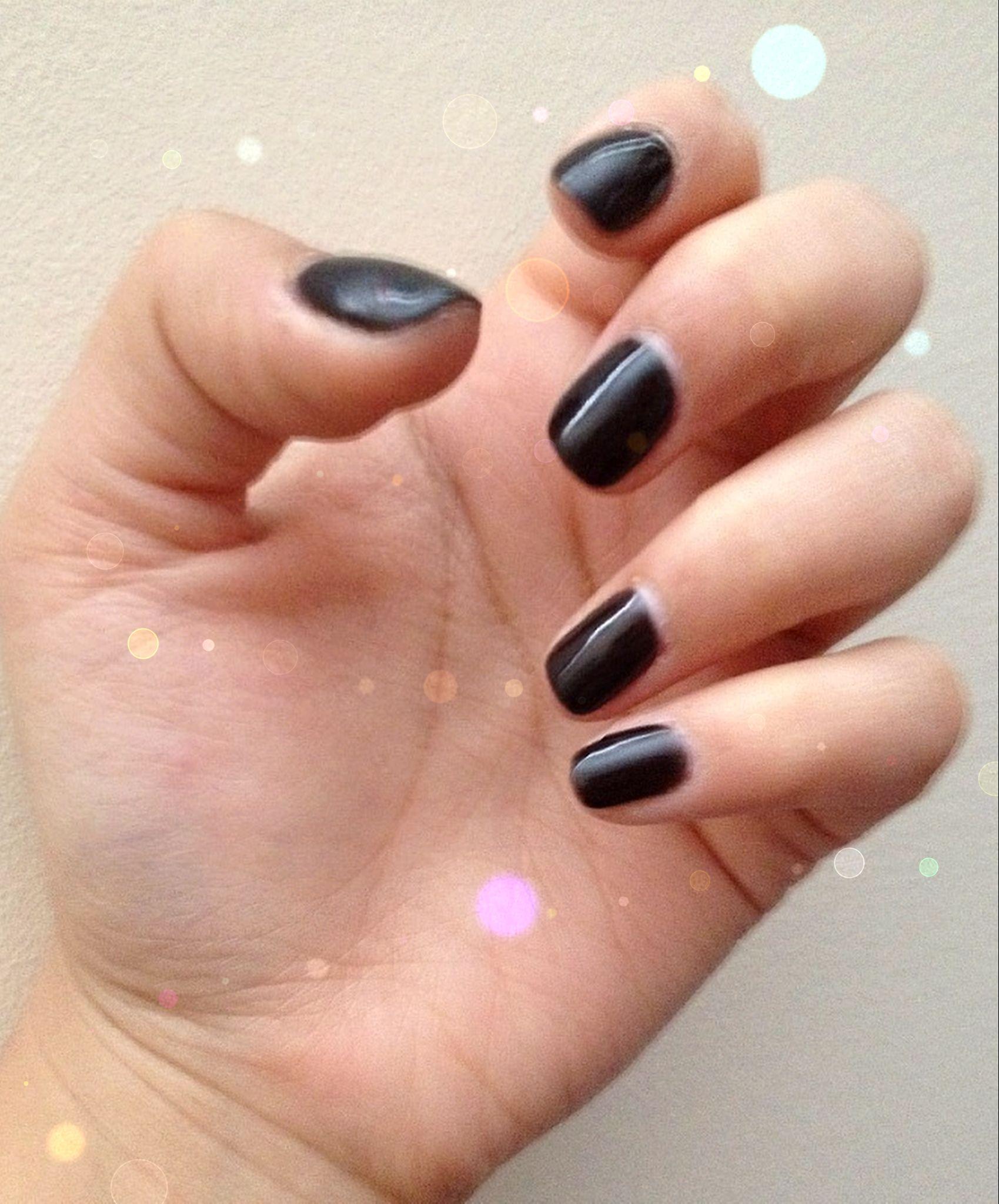 Black gel nails | Girl things | Pinterest