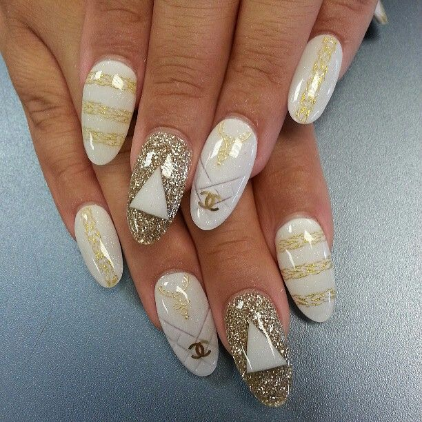 Almond-Shaped Acrylic Nail Designs