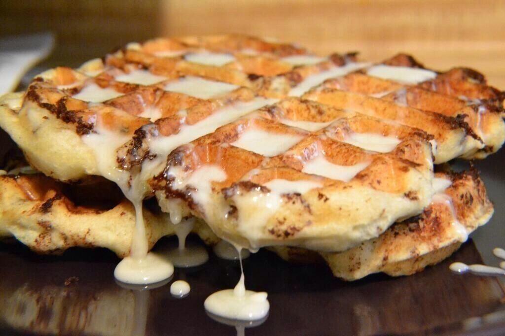 Cinnamon roll waffles | Food | Pinterest