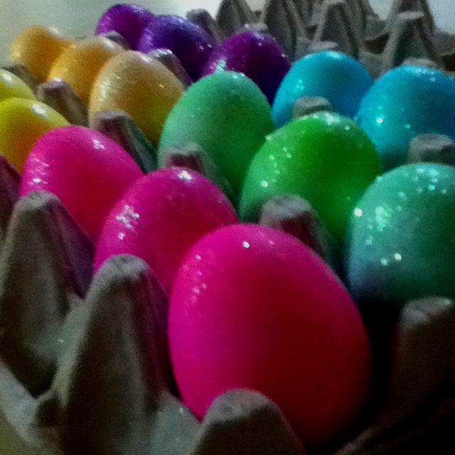 Glitter Easter Eggs! | DIY crafts | Pinterest