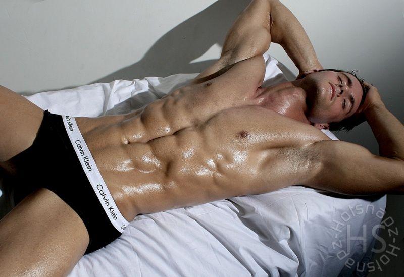 Фото Обнаженного Мужчины Лежащего