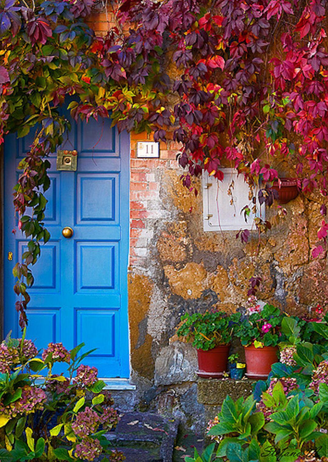 Blue Door Tuscany Italy Doors Door Knockers Key