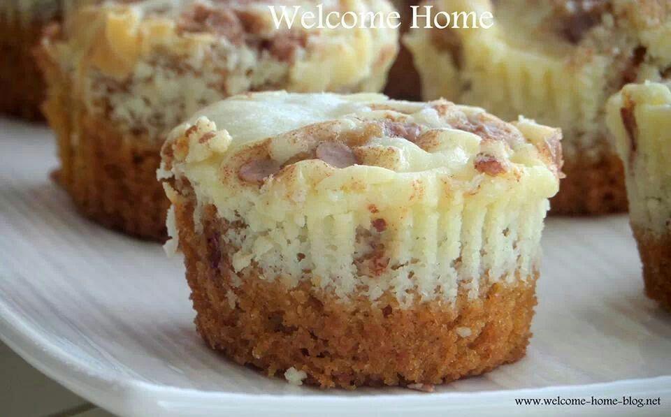 Mini pumpkin cheesecake cupcakes   Desserts   Pinterest