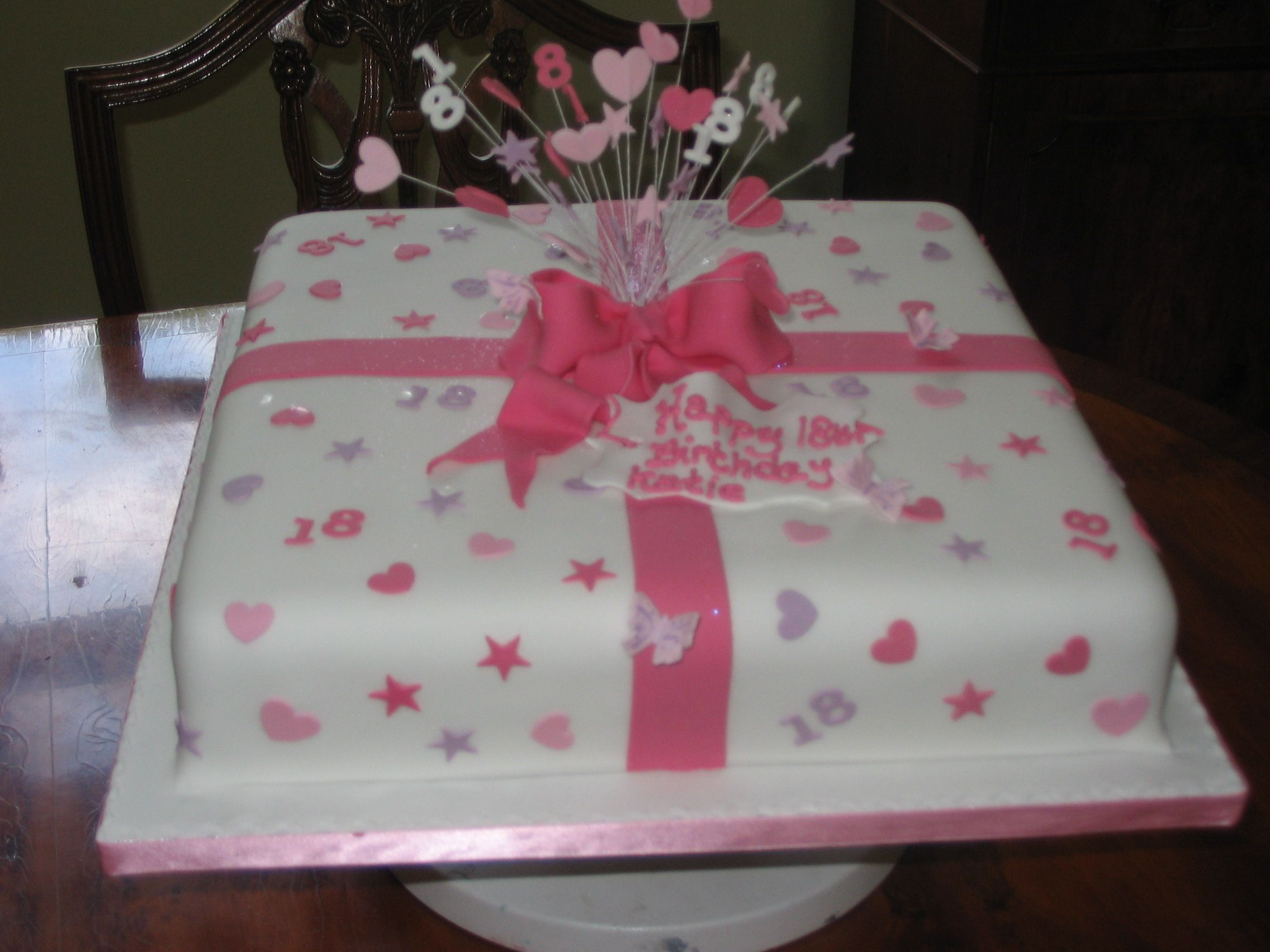 Pink present 18th birthday cake party ideas pinterest for 18th birthday cake decoration
