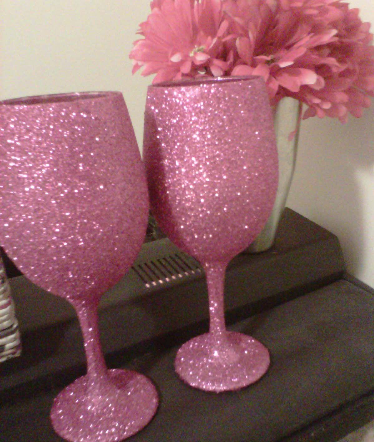 glitter wine glasses diy wine glass decorating pinterest. Black Bedroom Furniture Sets. Home Design Ideas