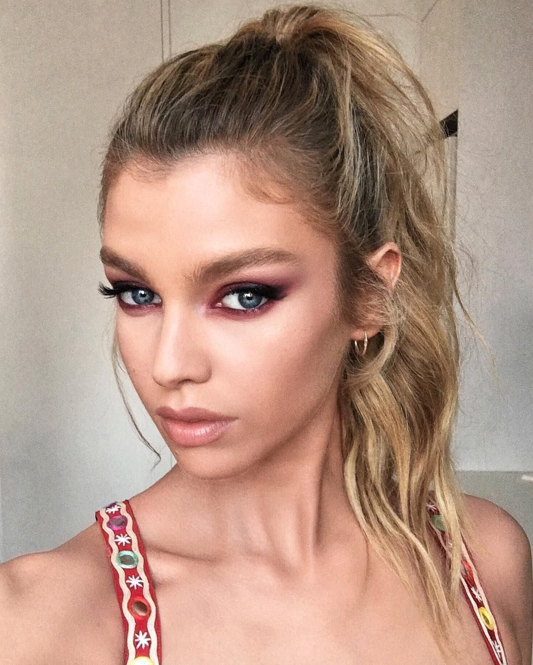 Dare To Try The Pink Eyeshadow Trend images