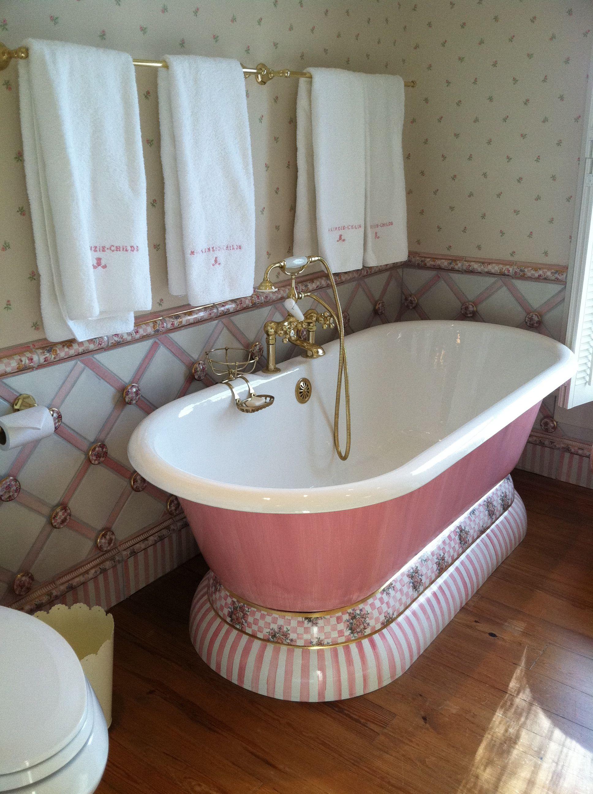 Cute girls bathroom for Cute bathroom ideas pinterest