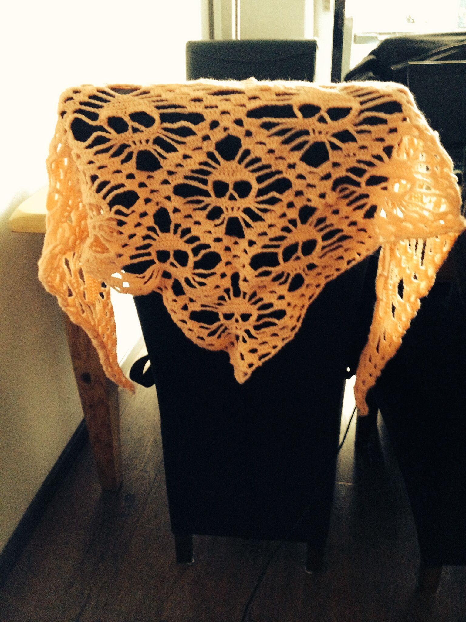 Crochet Pattern For Skull Shawl : Crochet skull shawl hooking Pinterest