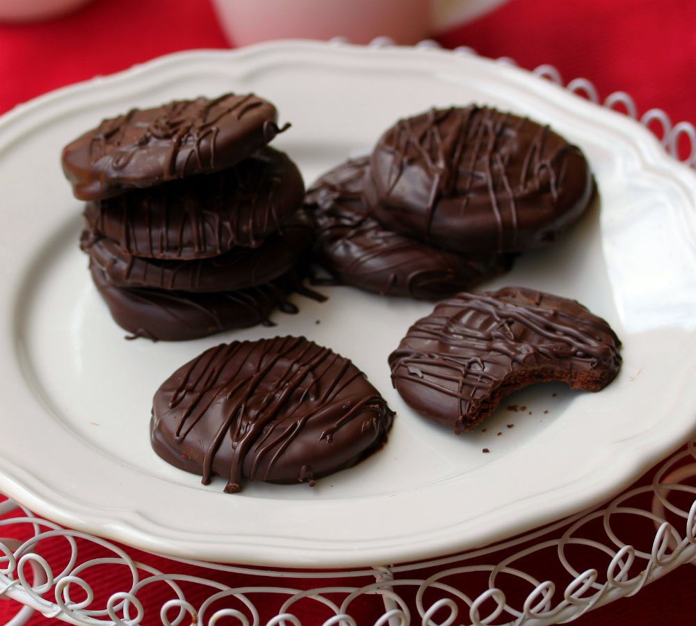 Chocolate Mint Thins   FOOD: Merry Christmix ebook   Pinterest