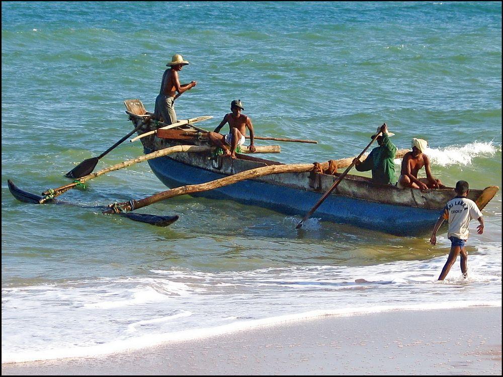 Fishing boat tangalle beach sri lanka pinterest for Sri lanka fishing