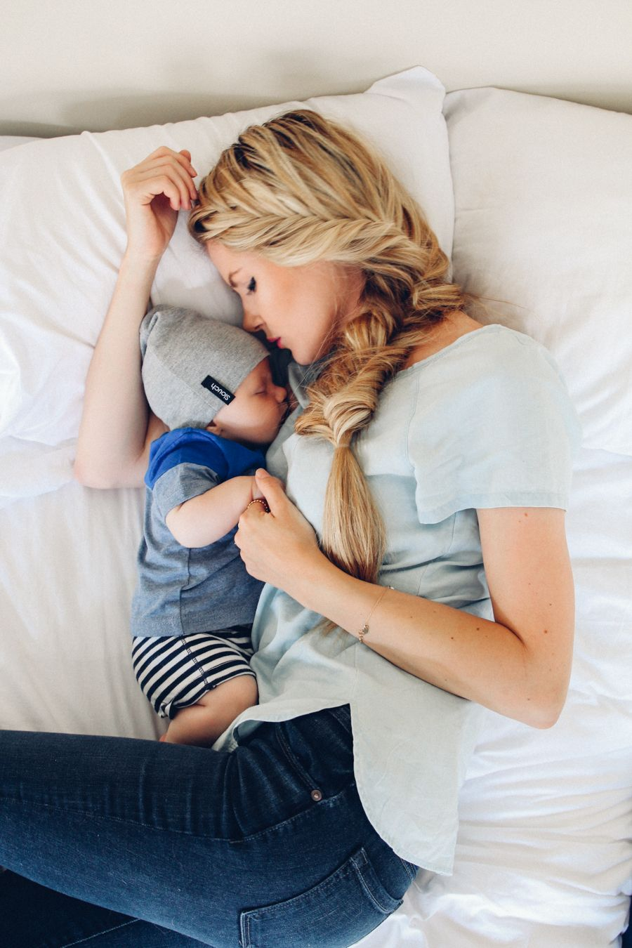 Сын мама спит 9 фотография