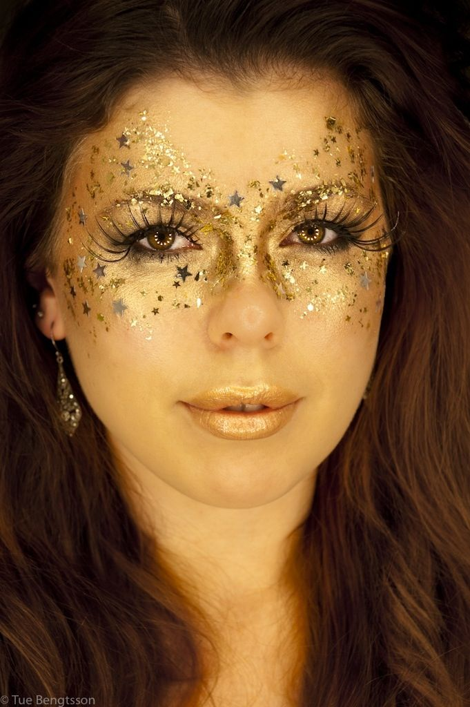 Mardi Gras face paint gold and stars | Otters and grandies | Pinterest