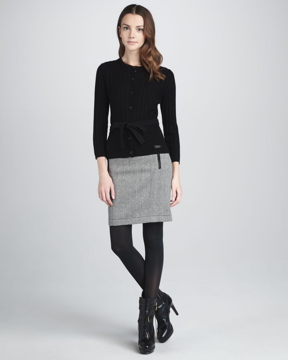 Skirt with black leggings and booties. | Fashion Changes but Style Eu2026