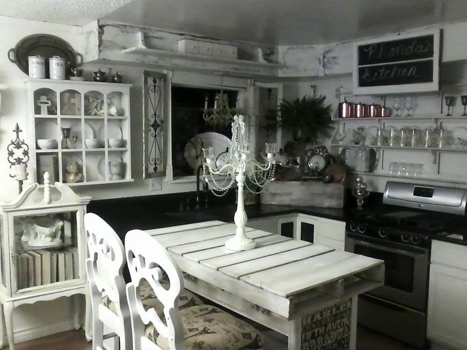 Shabby Romantic Chic White Black Kitchen Decor Ideas