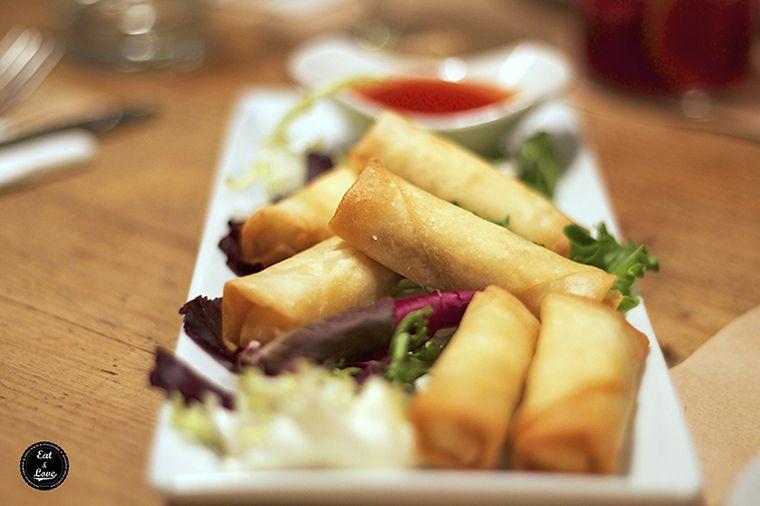 Rollitos vietnamitas restaurante Clarita Madrid