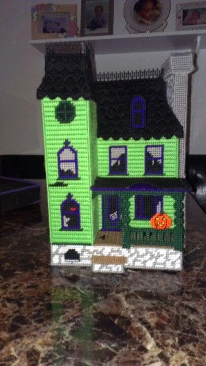 Haunted house plastic canvas pinterest for Pinterest haunted house
