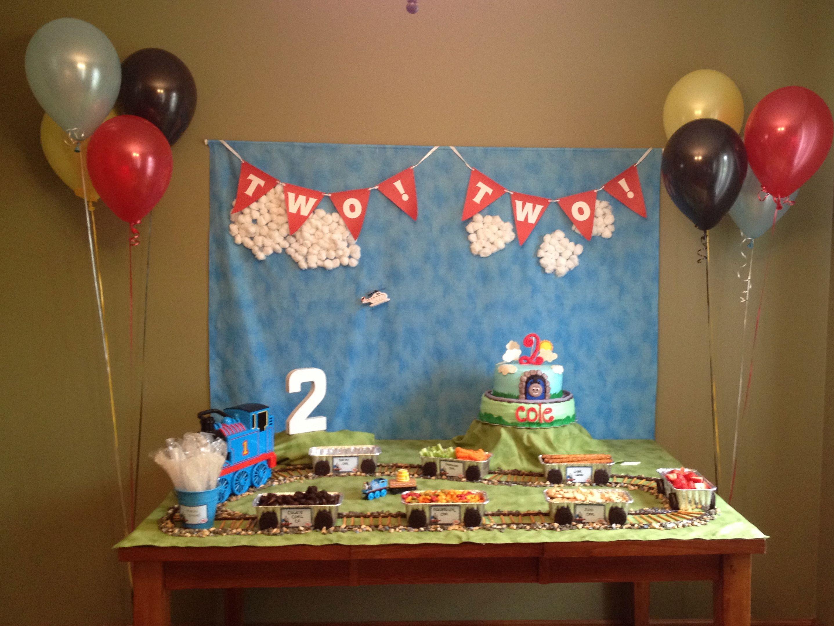 thomas the train birthday party boy birthdays pinterest. Black Bedroom Furniture Sets. Home Design Ideas