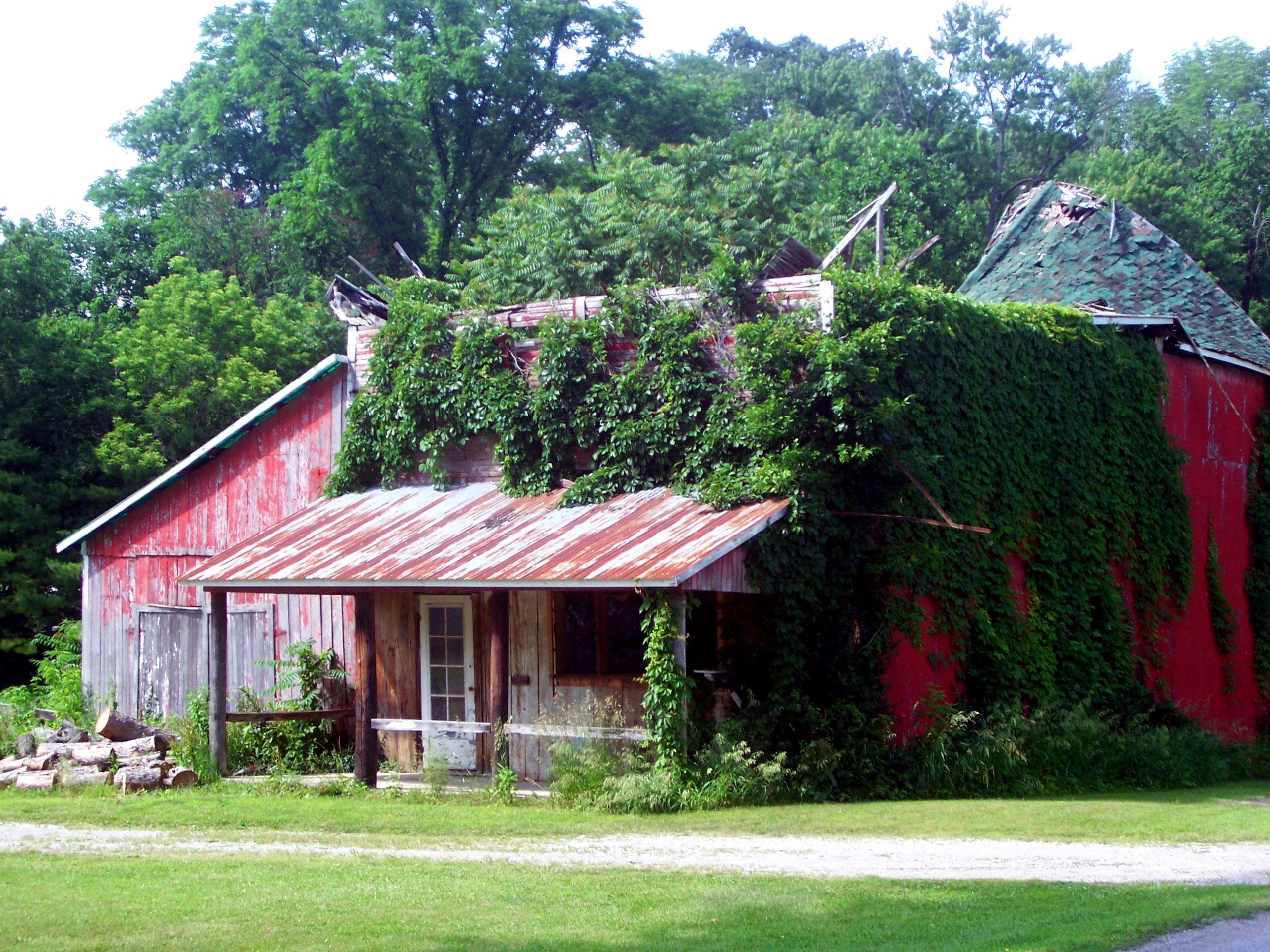 A Barn Near Bunker Hill Indiana Barns Pinterest