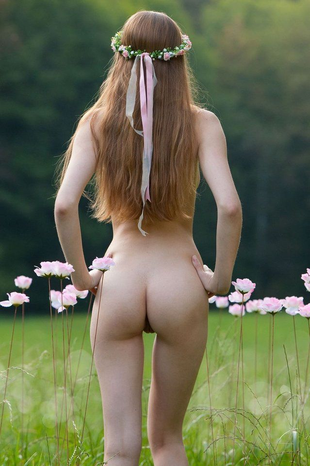 OPEN FIELD RAURAL NUDE BOHO | Young Naked Hippie Girl In ...