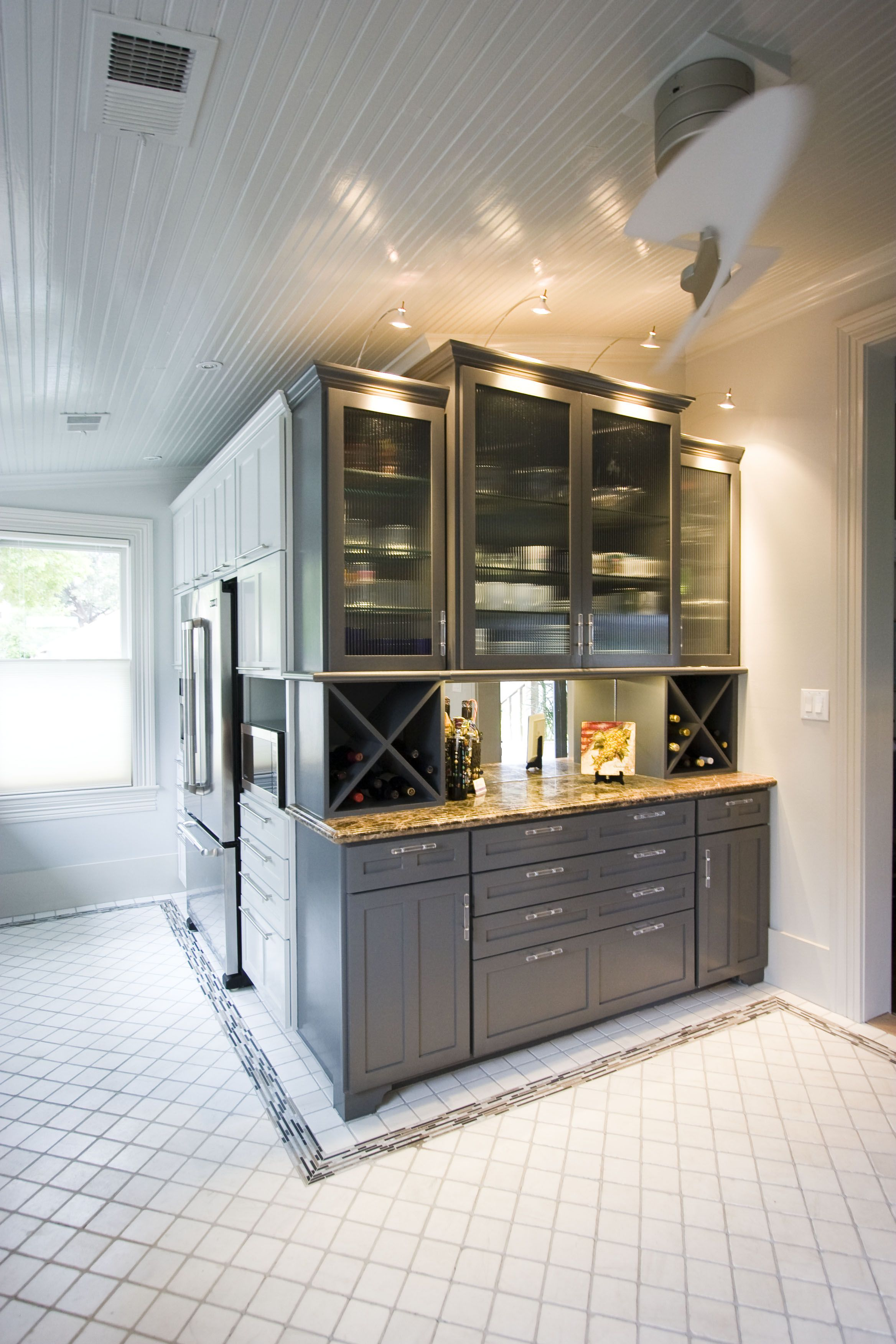 Wine bar kitchen area home inspirations pinterest for Home bar area