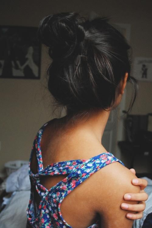 how to make the perfect messy bun with long hair