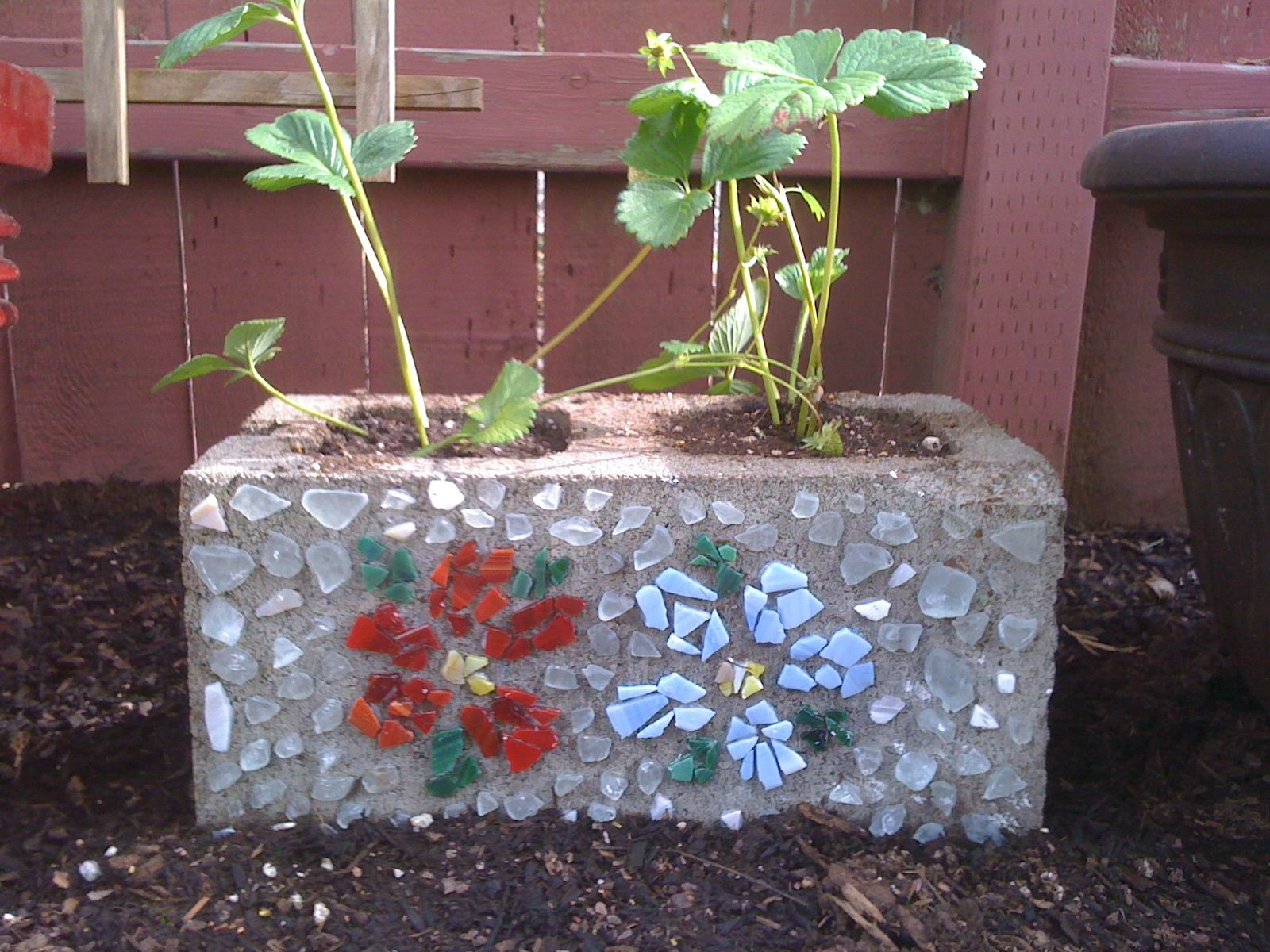 cinder block strawberry planter gardening pinterest. Black Bedroom Furniture Sets. Home Design Ideas