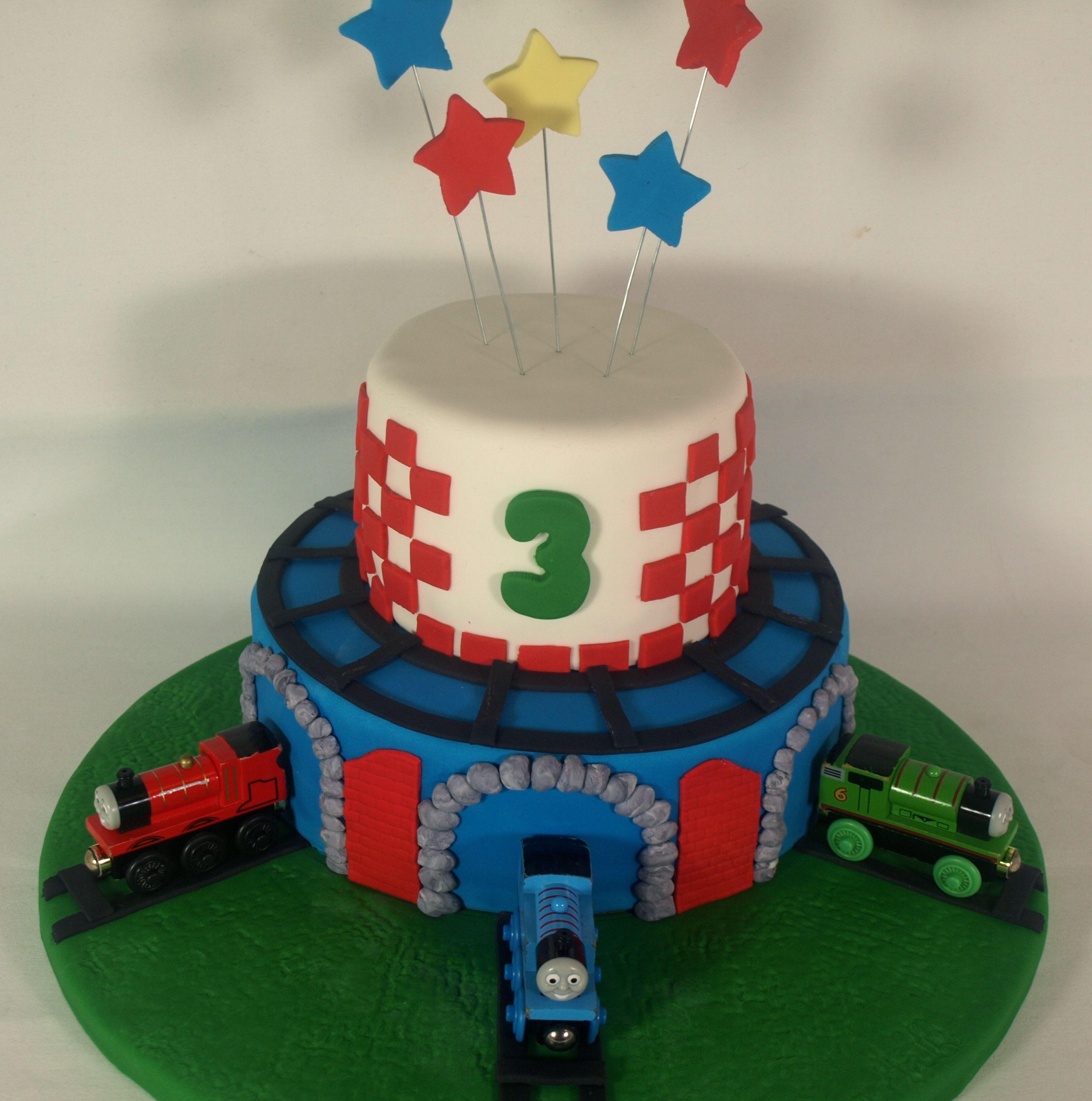 Thomas Birthday Cake Design : Thomas & Friends birthday cake Let s party! Pinterest