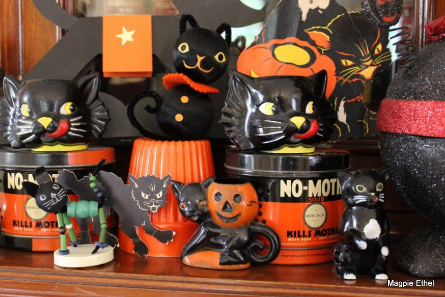 Black cats halloween style vintage halloween decor for Antique halloween decoration