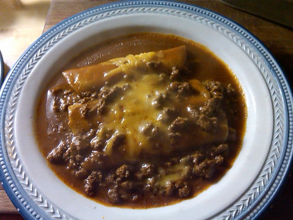 Cheese enchiladas with chili-con-carne | MEXICAN RECIPES | Pinterest