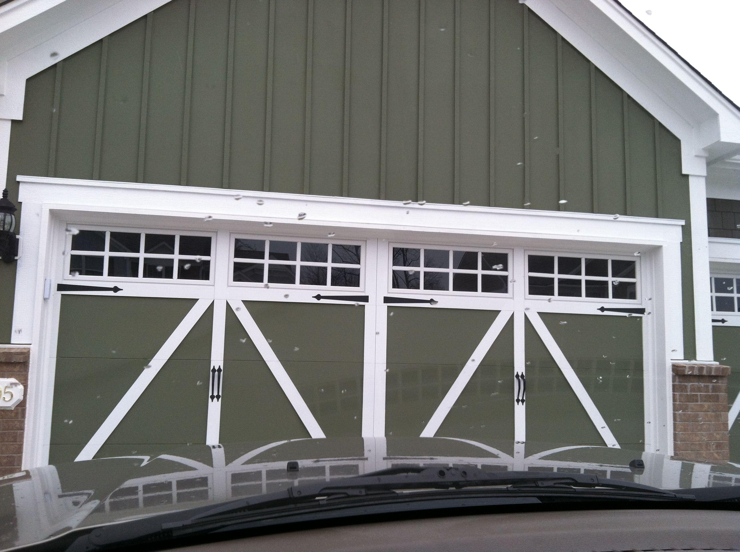 Barn garage doors dutch doors pinterest for Garages that look like barns