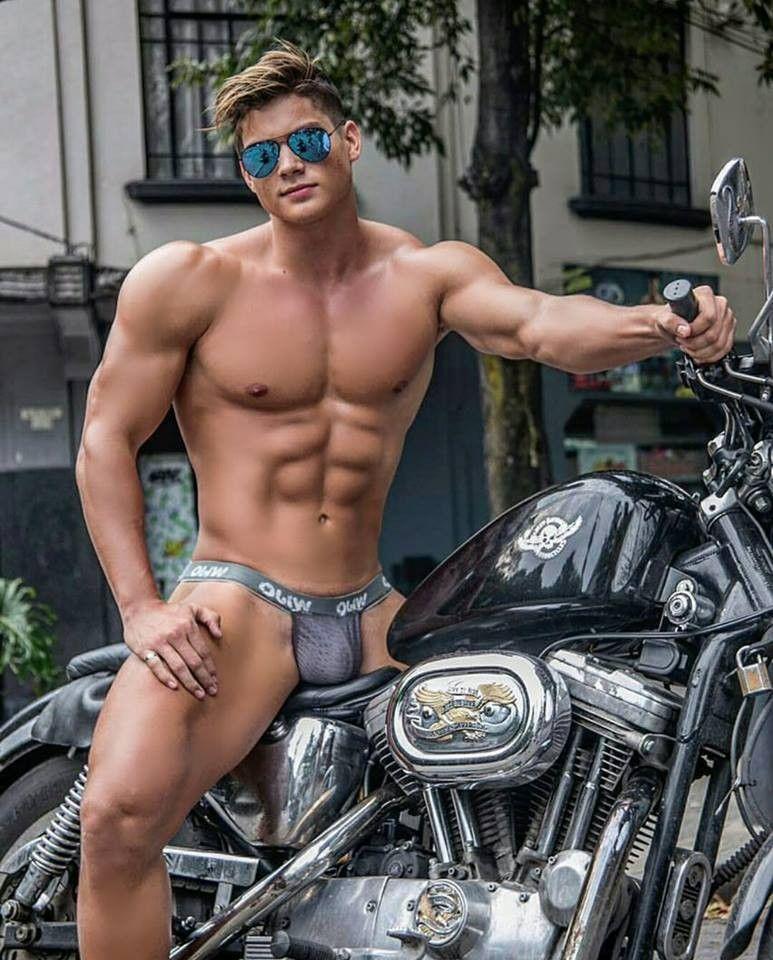 Голый Мужик На Мотоцикле