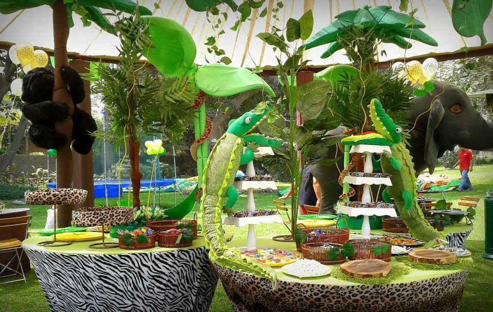 Jungle theme party party ideas pinterest for Decoration jungle