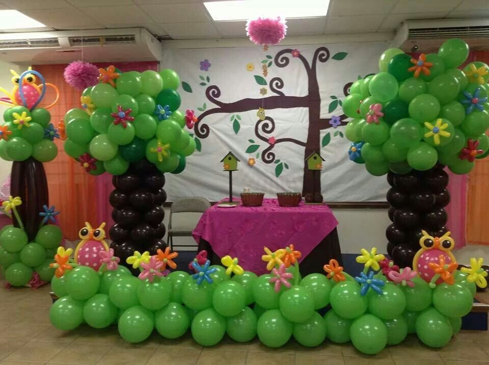 1000 images about balloon art on pinterest balloon for Baby shower tree decoration